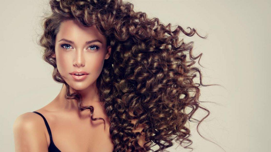 Cuidados especiais com cabelos cacheados