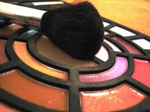 Figura ilustrativa do Kit básico de Maquiagem
