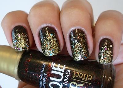 unhas sombreadas com glitter