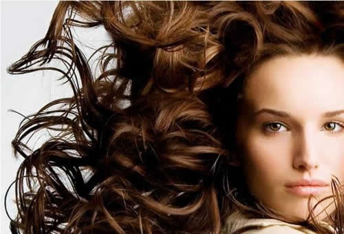 Cuidados com cabelos cacheados