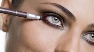 Maquiagem para uma entrevista de emprego