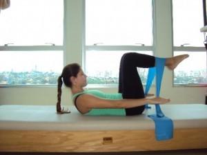 Aprenda a fazer Pilates em casa