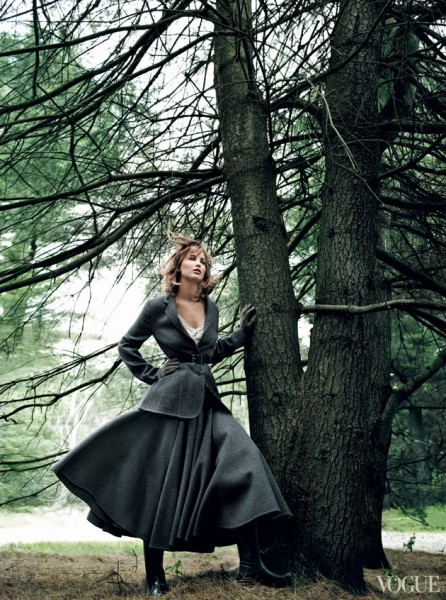Jennifer Lawrence pousa para a Vogue