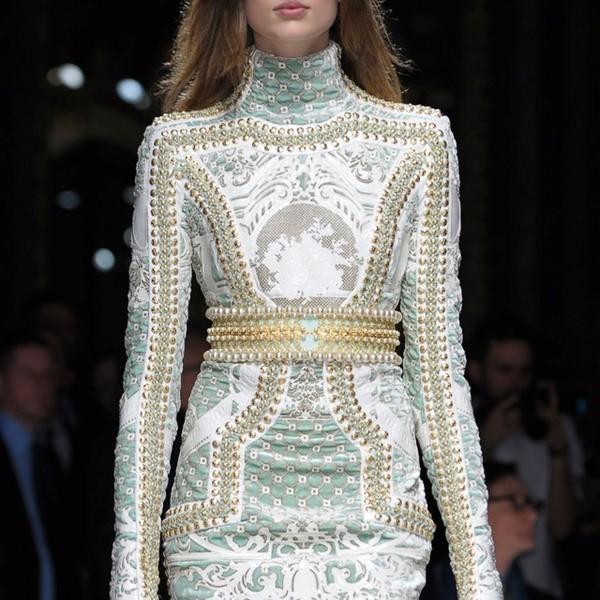 vestido com estampa barroca