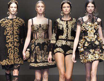 foto de roupas de luxo com estampa barroca