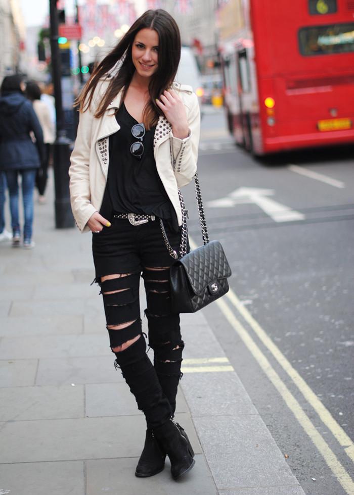 tendência da calça rasgada