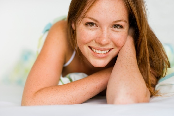 maquiar uma pele com sardas