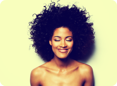 cabelos cacheados Black Power
