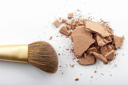 maquiagem danificada