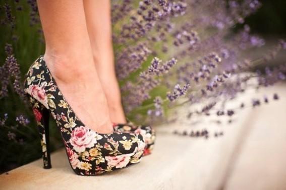 calçado para formatura estampado