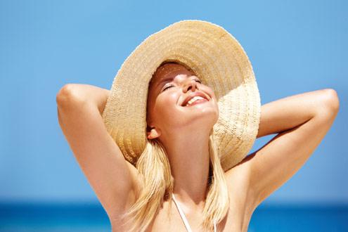 Chapéu ajuda proteger os cabelos