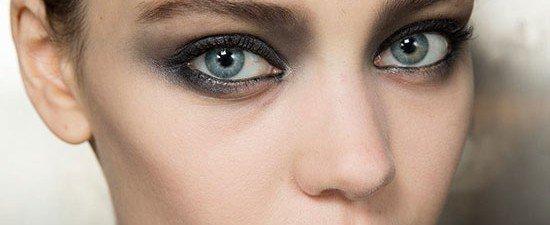 olhos delineados