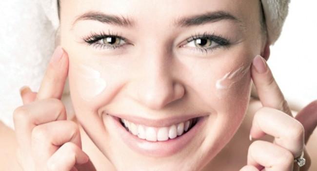 como aplicar cremes faciais corretamente