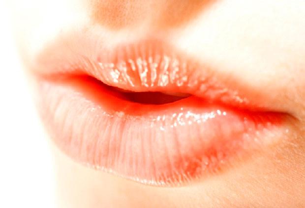 lábios ressecados em função de alergia