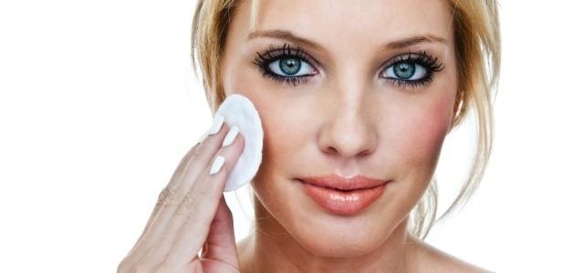 cuidados com a pele seca durante a maquiagem