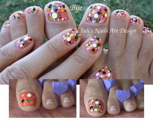 Unhas decoradas para os pés: Pontos coloridos