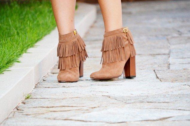 botas femininas com franjas
