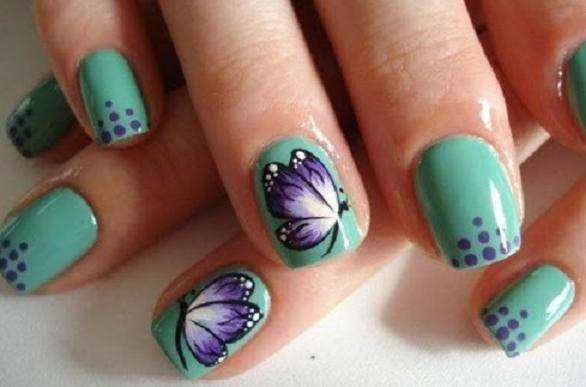 Unhas decoradas com borboleta Meio Verde