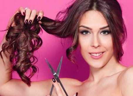 cortando o cabelo para ter mais volume