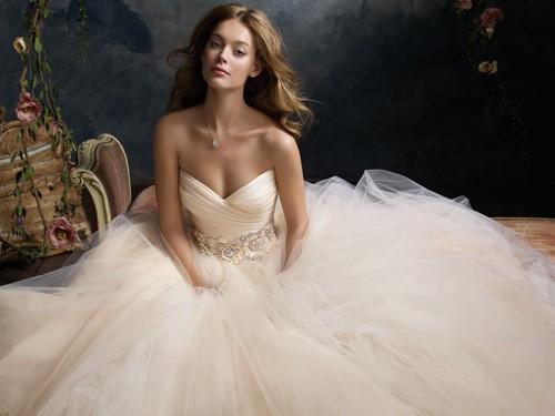 Tendências de vestidos de noiva 2014