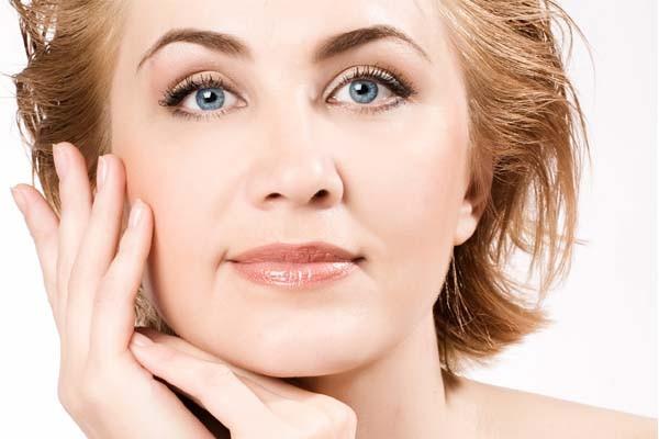 Truques de maquiagem para mulheres maduras