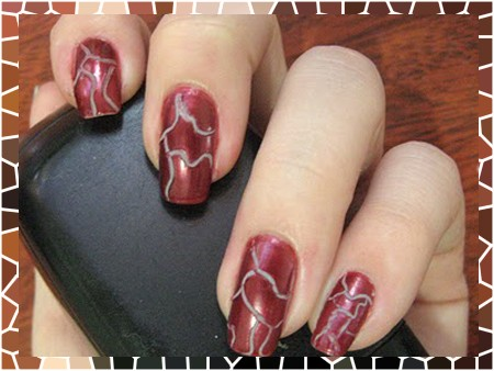 Nail Art: unhas craqueladas coloridas