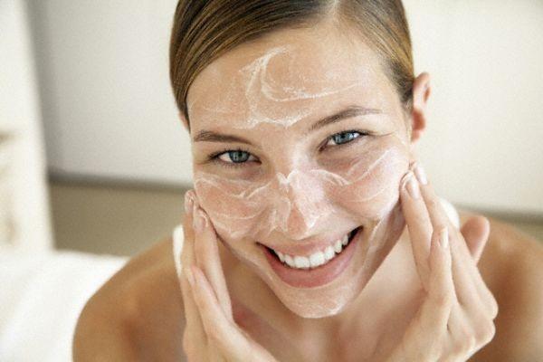 como fazer limpeza de pele profunda caseira