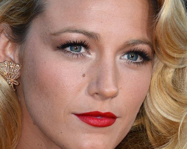 Blake Lively e a maquiagem para loiras