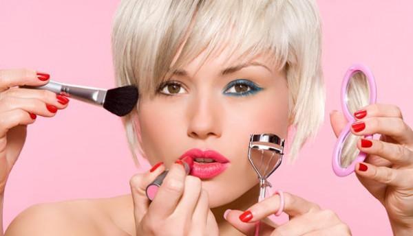 50 itens de maquiagem e cuidados com os cabelos até 30 reais