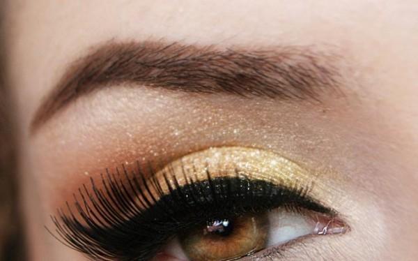 Maquiagem dourada para festa