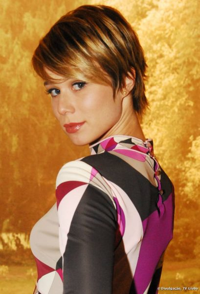 Mariana Ximenes com cabelos curtos