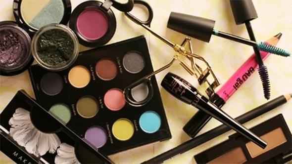 O que não pode faltar na sua maleta de Maquiagem - itens para os Olhos