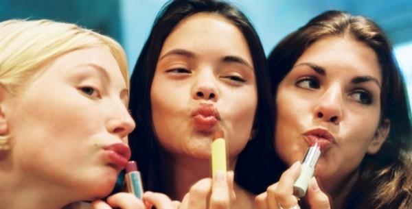 Veja como disfarçar ou diminuir lábios grossos passo-a-passo
