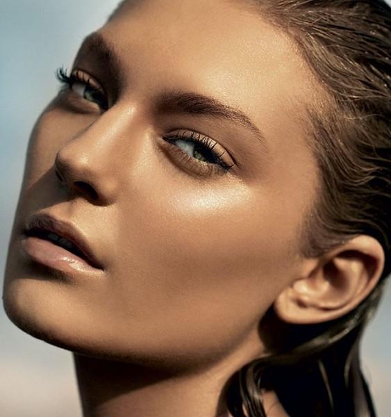 Veja como fazer uma maquiagem com efeito bronzeado