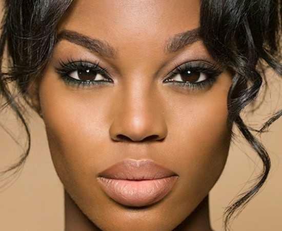 Maquiagem para pele negra para namorada