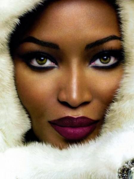 foto de mulher negra maquiada