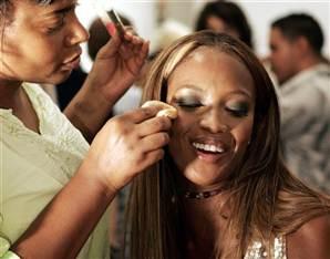 ordem dos produtos na maquiagem para negras