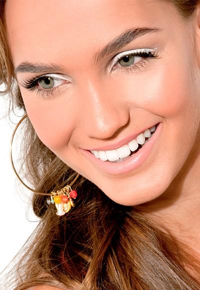 Delineador Branco é tendência da maquiagem