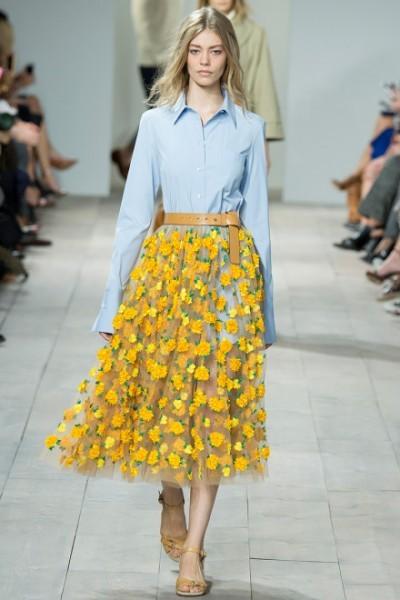 saia com flores amarelas