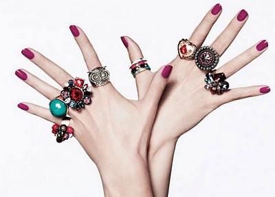 Anéis poderosos entre as tendências de maxi acessórios
