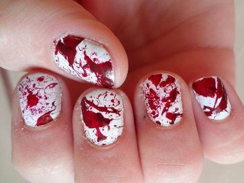Sangue nas Unhas para Halloween