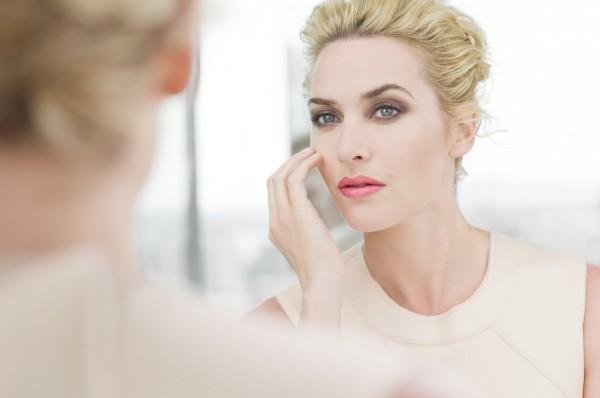pele bonita e saudável para mulheres de idade entre 36 a 45 anos