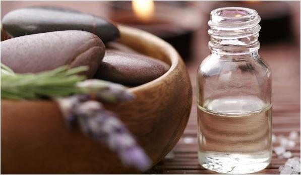 Os benefícios dos óleos corporais no verão