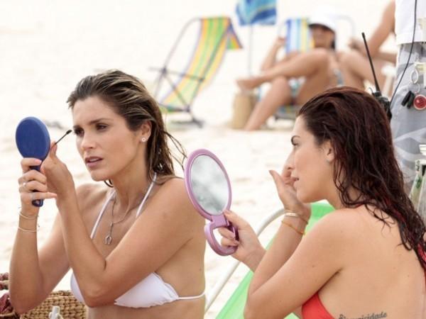 famosas que usam maquiagem para praia