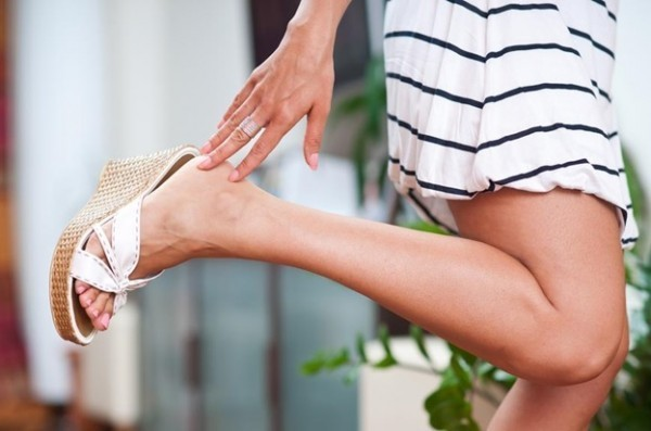sandálias e dicas de beleza