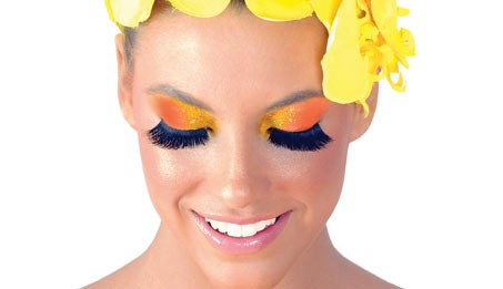 Dicas para a maquiagem de carnaval resistir até o fim da folia
