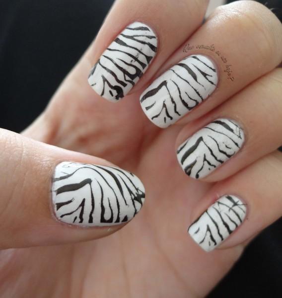 Unhas decoradas com zebra - Animal Print