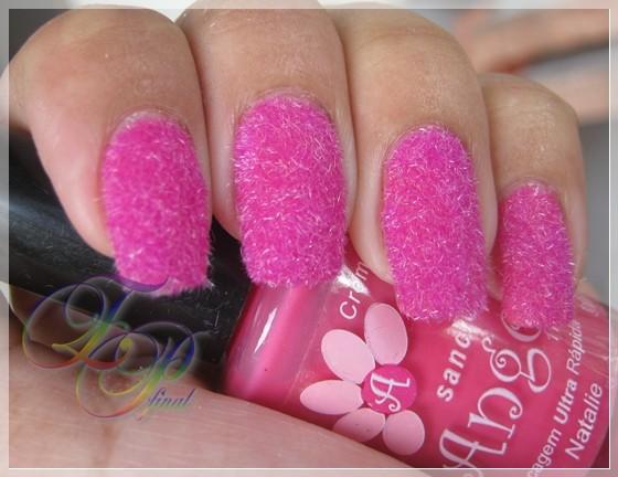 Unhas decoradas pelúcia rosa