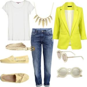 roupas simples calca jeans camiseta blazer colorido