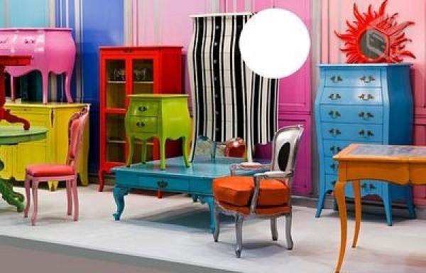 renovar a decoração pintando os móveis